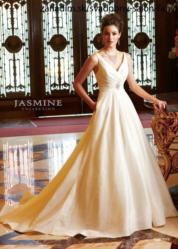 feb664fec960 Vyberáme šaty na svadobný deň